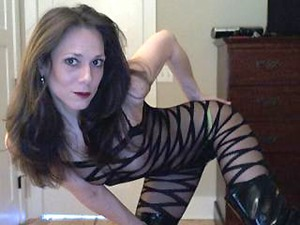 Flexible Mature Webcams MILF Cougar NaughtyCoral Needs Cock
